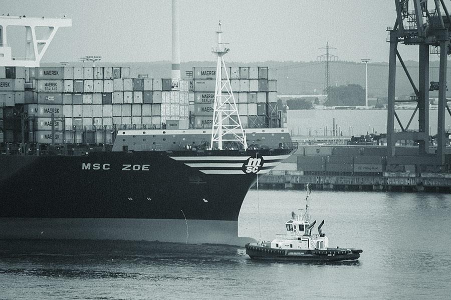 MSC Zoe verlässt Hamburg