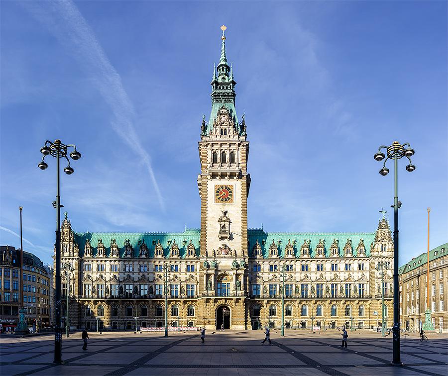 Hamburger Rathaus komplett